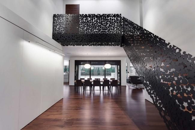 Лестница на второй этаж. Лазерная резка по металлу в материале перил