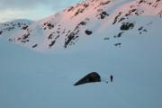Фото 2 Åkrafjorden: охотничий домик, скрывающийся в горах Норвегии