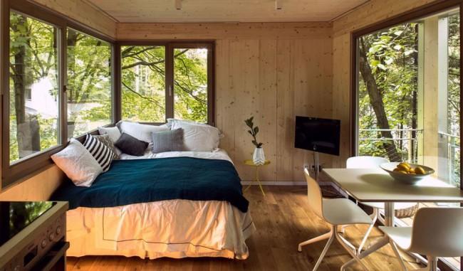 Диван-кровать с выкатным механизмом раскладывания. При выборе такой мебели всегда интересуйтесь, подходит ли она дл ежедневного сна