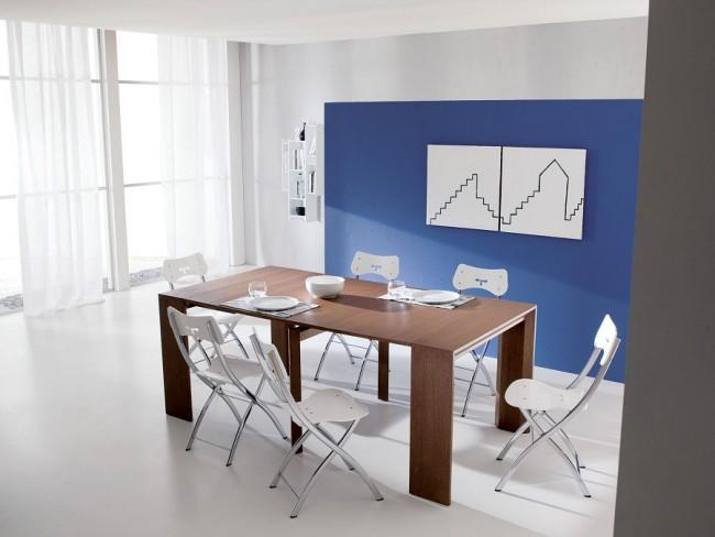 Консольный стол, при необходимости раскладывающийся в полноценный обеденный стол