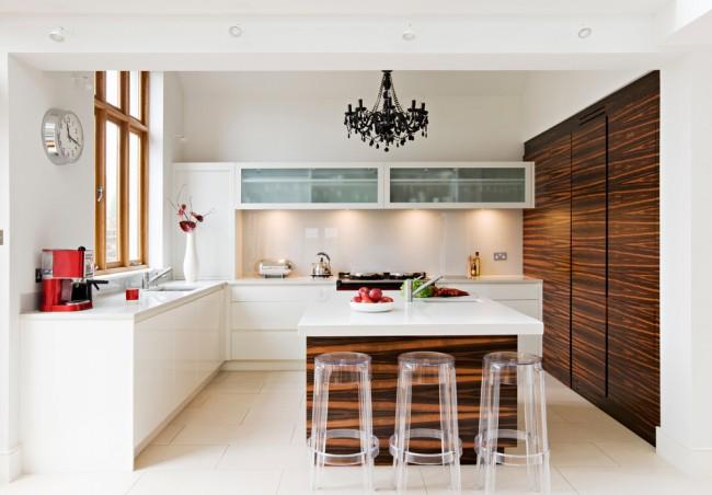 Островное размещение кухонной мебели в современном интерьере