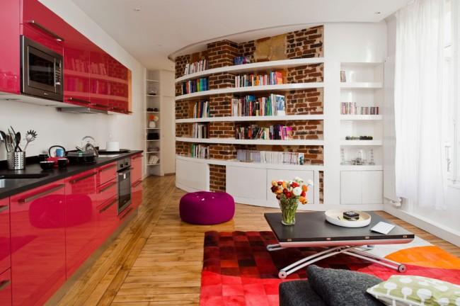Однорядное расположение мебели на кухне подойдет для большой квадратуры