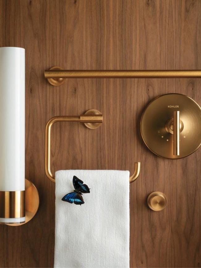Подобные крючки и держатели сами по себе являются украшением ванной комнаты