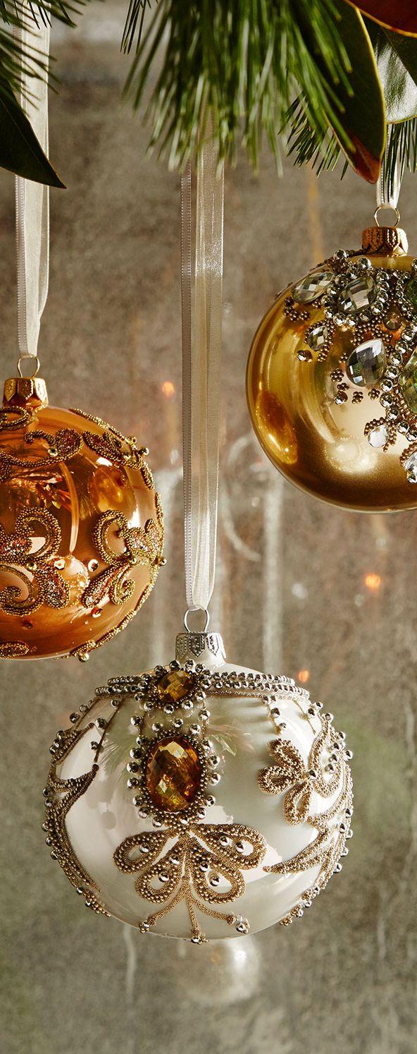 """Красивые, блестящие, нарядные шары из стекла - главный элемент красивого елочного """"наряда"""""""