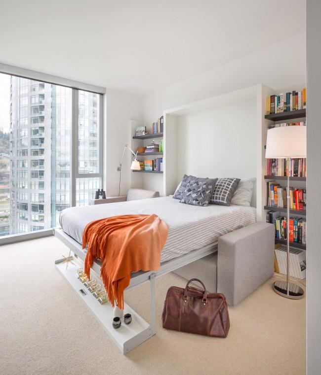 Стильная белая спальня с яркими акцентами