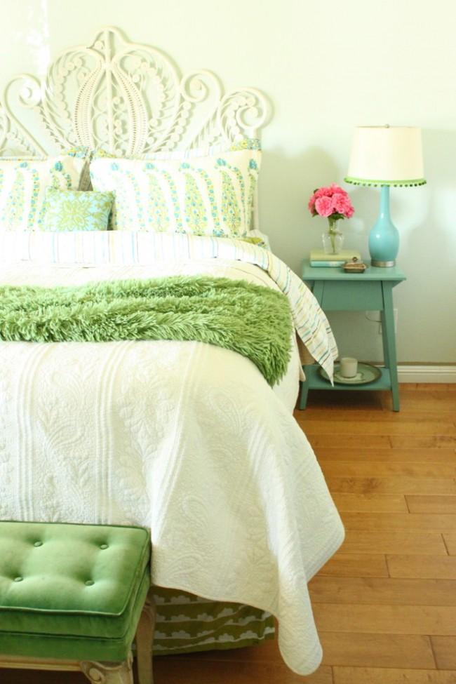 Нежная спальня для юной леди или романтичной молодой женщины