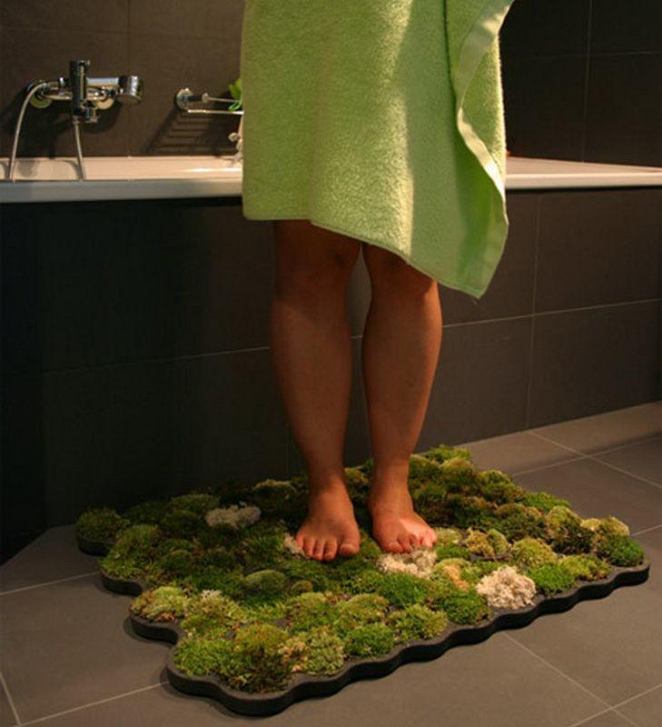 Ванный коврик из натуральных растений является приятным и полезным вариантом