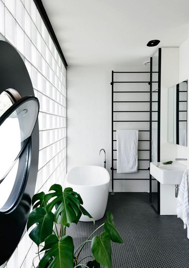Сушилка с полотенцами должна находится рядом с самой ванной