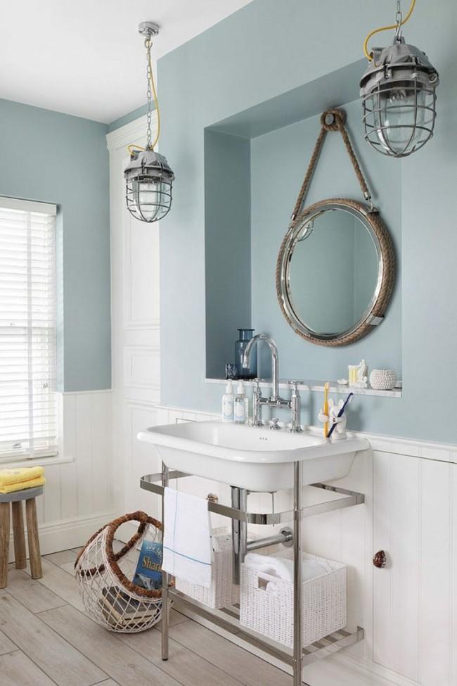 Ванная комната в спокойном пастельно-голубом цвете