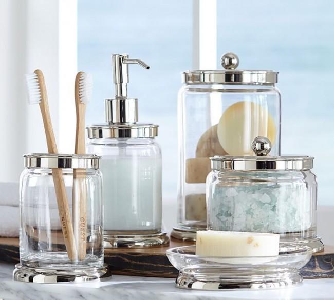 Красивые стеклянные емкости для хранения ванных принадлежностей