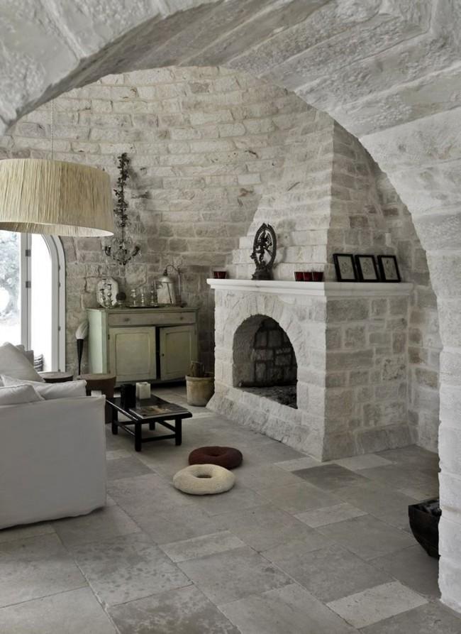 Искусственный и натуральный камень в отделке гостиной комнаты