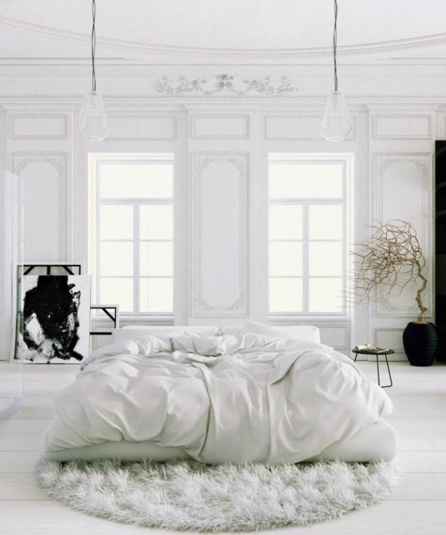Модная белая спальня с классическим оформлением стен и наполнением в стиле хай-тек