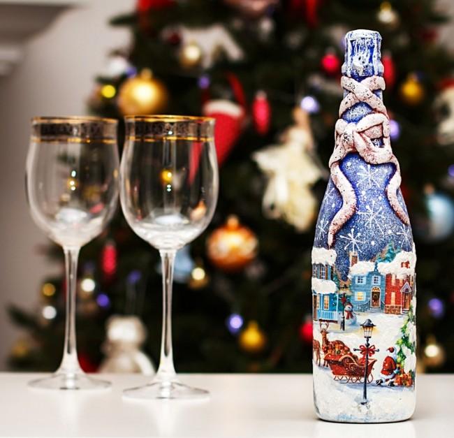 Шампанское, украшенное с помощью техники декупаж станет настоящим сказочным украшением на Вашем столе
