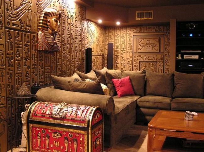 Шкафы и тумбы лучше заменить сундуками для полного погружения в Египет