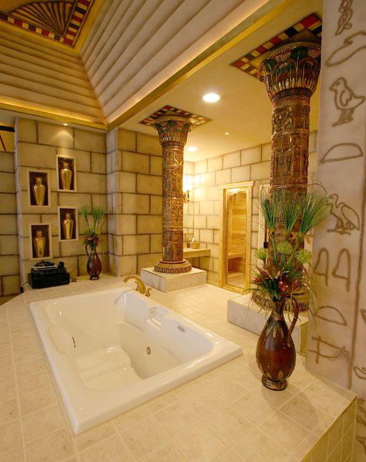 В подобной ванной комнате Вы явно сможете почувствовать себя египетской царицей или фараоном