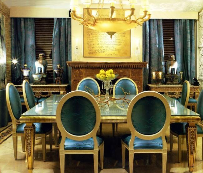 Даже если мебель оформлена не в том дизайне, то ее цветовое оформление явно говорит о Египте