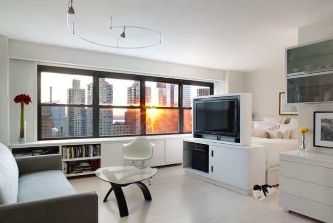 Стильная светлая гостиная площадью 18 квадратов