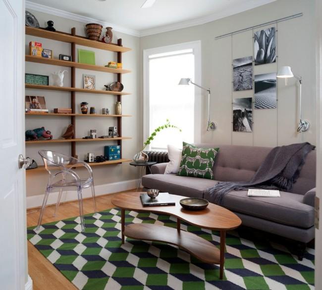 Открытые полки вместо шкафа - удачное сочетание красоты и практичности
