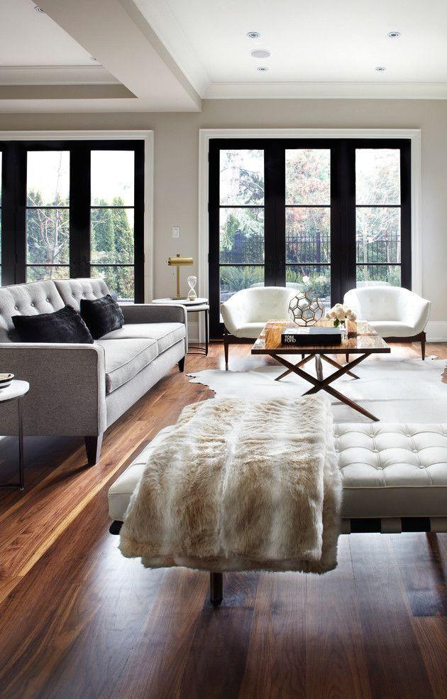 Мягкие пуфы и кресла просто необходимы, если у Вас нет большого дивана