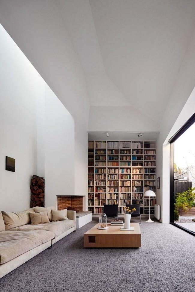 Стильная гостиная в современном частном доме