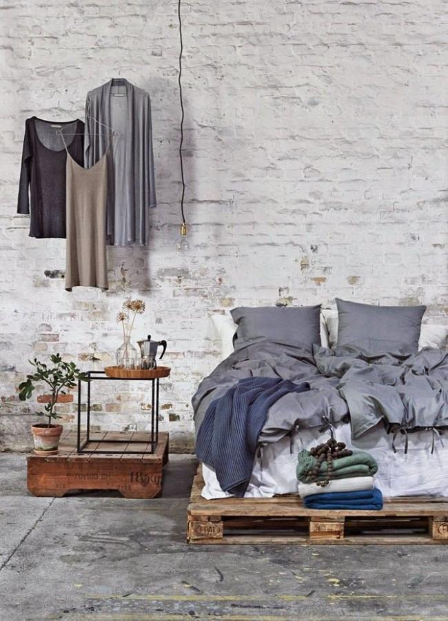 """Лаконичная """"промышленная"""" спальня может стать идеальным уютным убежищем"""