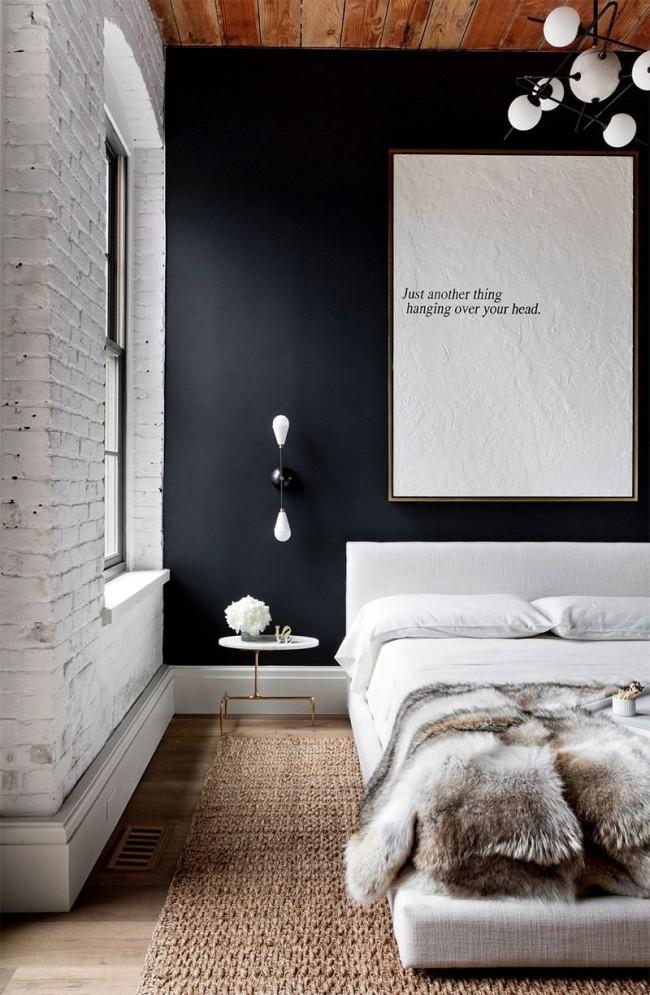 Использование дерева, белого цвета и теплых натуральных материалов делают спальню поистине теплой и уютной