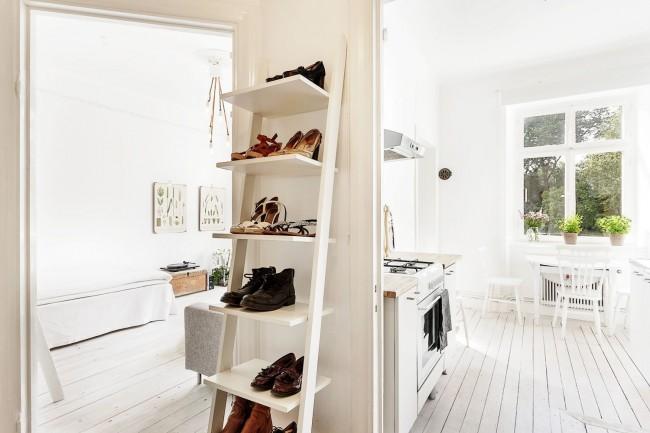 Обувь - важный элемент нашего гардероба, которые многие хранят как попало, сокращая тем самым срок службы любимой пары