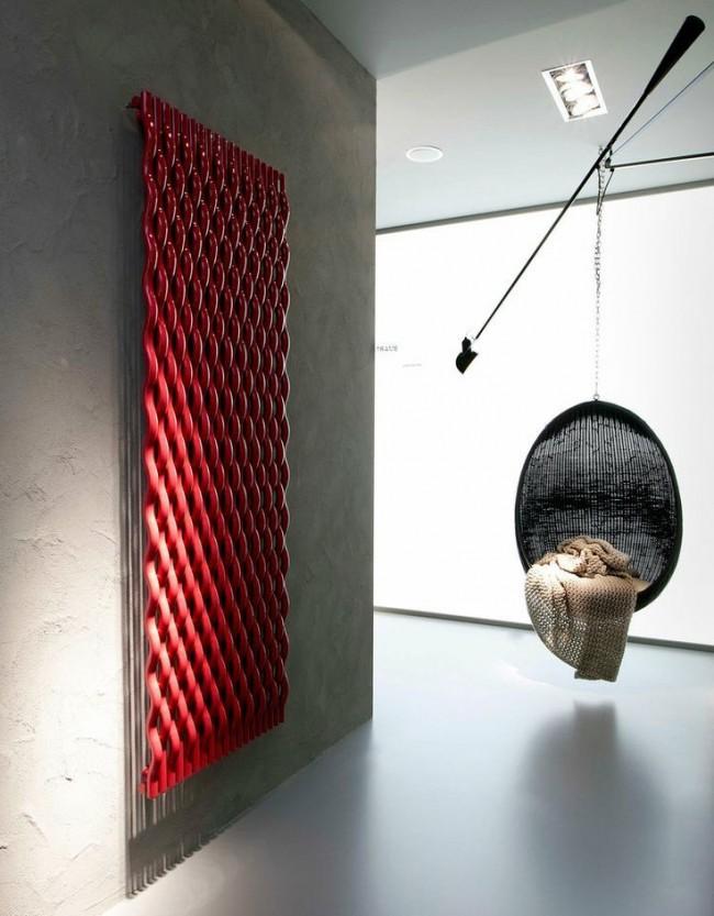 Покраска стильного радиатора в красный цвет