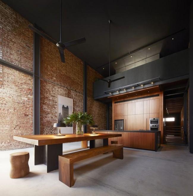 Такая стена может быть основным украшением помещения, которое будет вносить некую изюминку