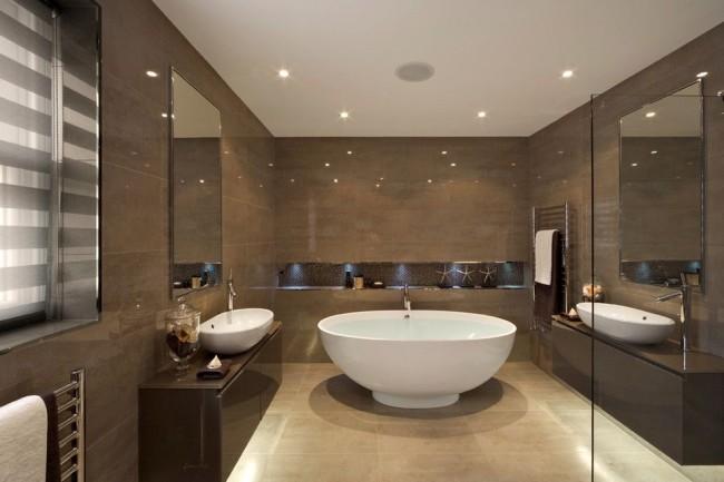Чтоб ниша не казалась пустым пространством в темной ванной, добавим в неё немного точечного освещения