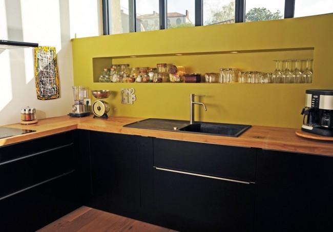 Ниша в кухне вместо навесных шкафчиков