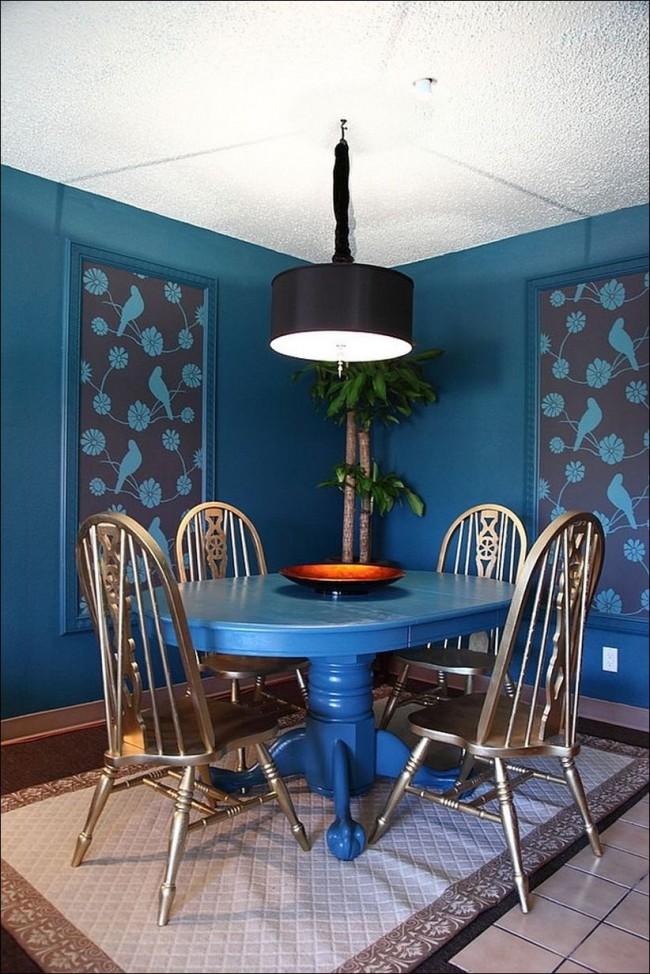 Стол-трансформер синего цвета из мдф
