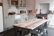 Фото 21 85+ идей кухонных столов: разнообразие форм, цветов, материалов