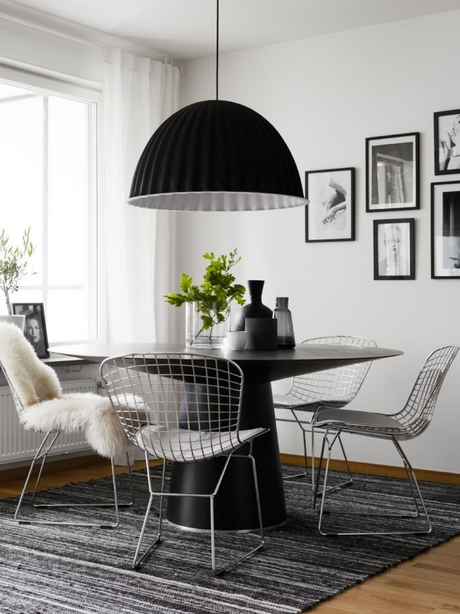 Обеденный стол из металла - это редкость, но в тоже время стильность и надежность
