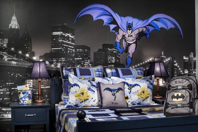 Фотообои с Бэтменом в комнате школьника