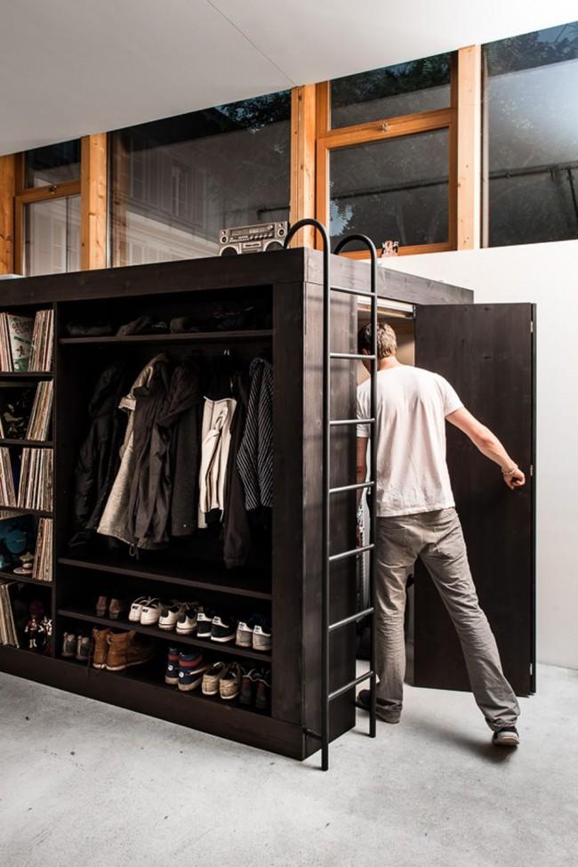 Место хранения обуви может быть выполнено в общем стиле вашего дома