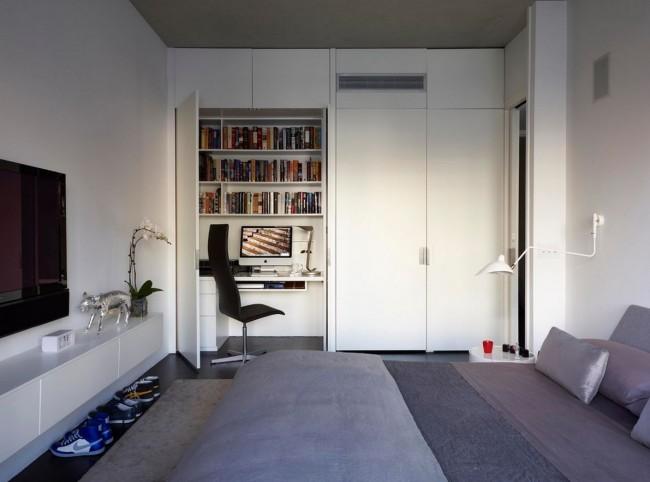 Шкаф с столешницей, полками для бумаг и всякой всячины отлично впишется в интерьер и не займет много места