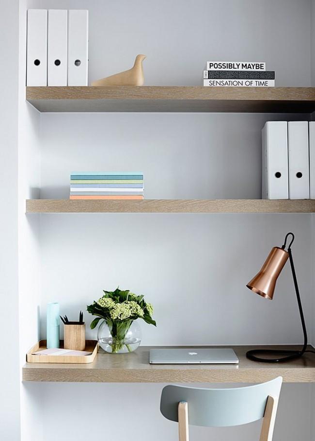 Не выбирайте слишком большой стол, чтобы не было соблазна захламлять пространство
