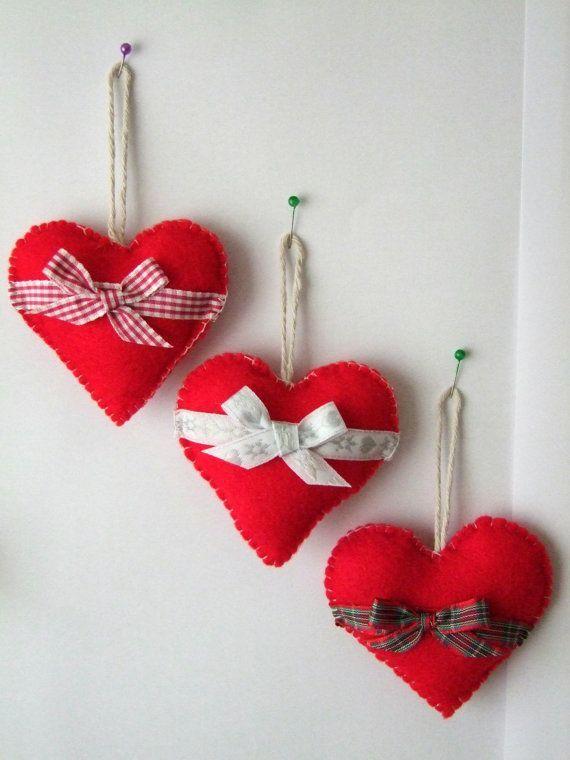 Милый фетровые сердечки привнесут атмосферу романтики в ваш дом