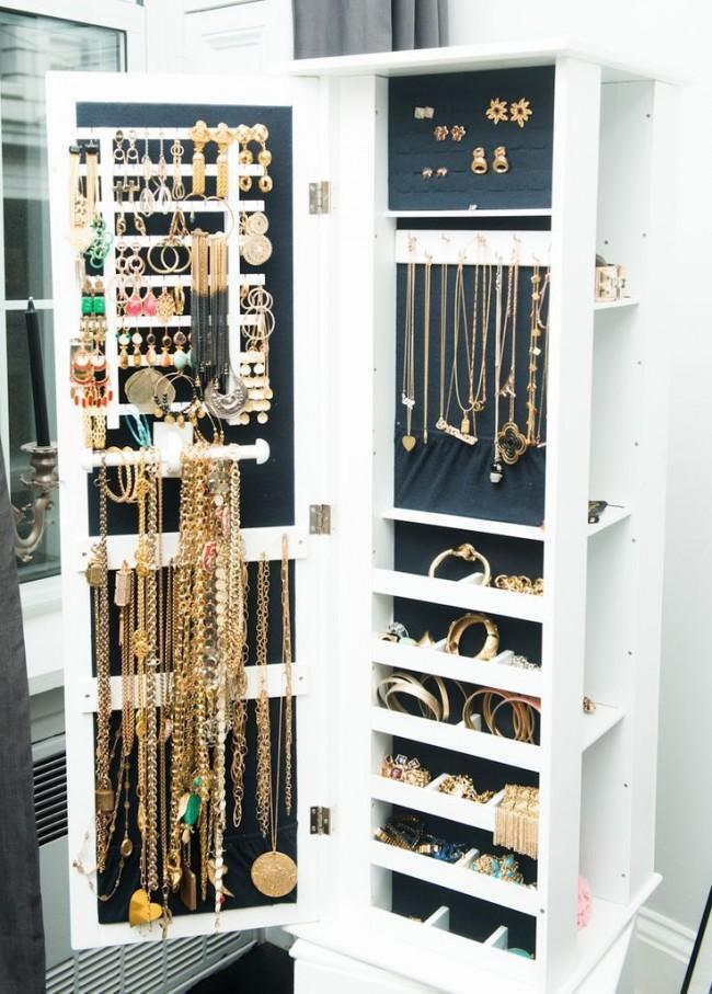 Отдельно стоящий вместительный шкаф для бижутерии