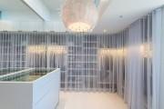 Фото 13 Шкаф для украшений (65+ идей): функционально и красиво