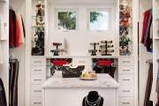 Фото 10 Шкаф для украшений (65+ идей): функционально и красиво