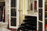 Фото 16 Шкаф для украшений (65+ идей): функционально и красиво