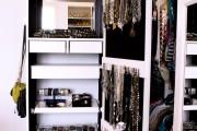 Фото 4 Шкаф для украшений (65+ идей): функционально и красиво