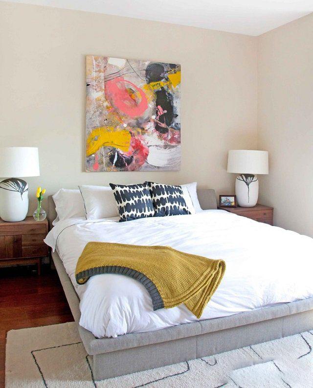 Необычная картина придаст комнате индивидуальный характер