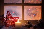 Фото 11 Лучшие варианты украшений на окна к Новому 2019 году