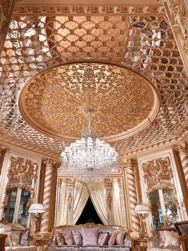 Великолепная гостиная в стиле барокко