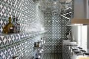 Фото 17 Роскошные зеркальные потолки в интерьере (90+ фото): лучшие идеи и советы дизайнеров
