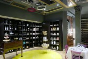 Фото 32 Роскошные зеркальные потолки в интерьере (90+ фото): лучшие идеи и советы дизайнеров