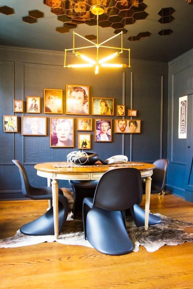 Потолок, украшенный зеркальными сотами, смотрится неповторимо и очень красиво